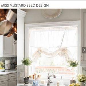 Farmhouse! / NEW Miss Mustard Seed Tie Up Curtain